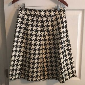 Pleated Black and Tan Cotten skirt